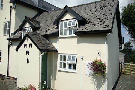 Cosy rural cottage in mid Wales - Powys - Casa