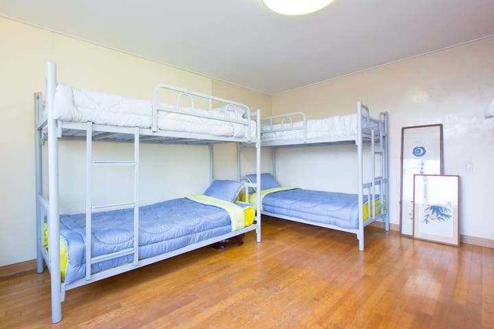 6bed domitory