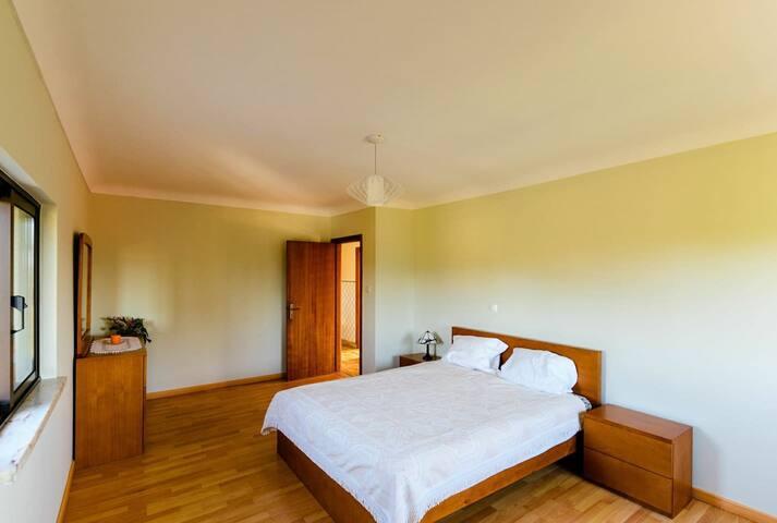 Große Schlafzimmer Nr.1