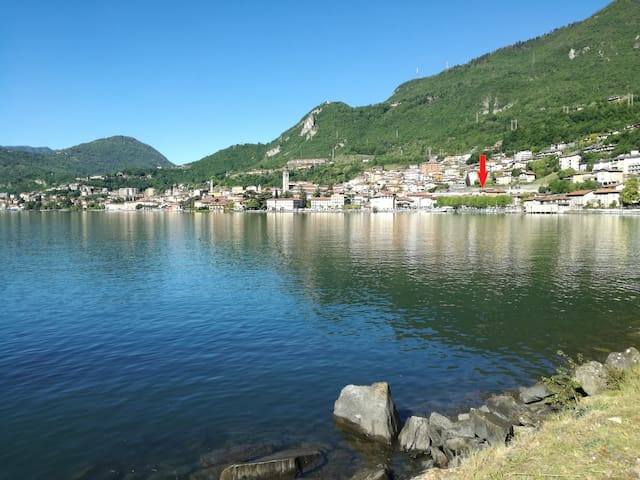 Monolocale Angelo, vista lago a Lovere