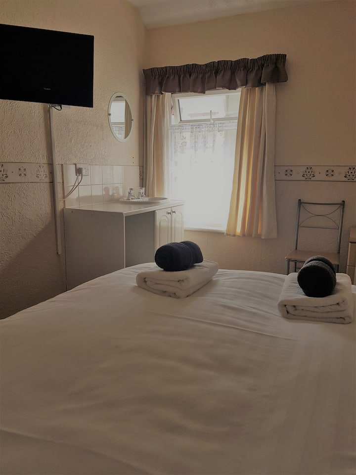 Gemini Guest House Blackpool, Double Room 7