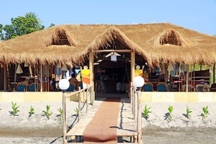 Seabird beach cafe morjim north goa - Morjim