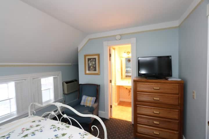 Small main house room with Full sized bed