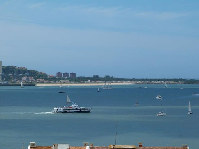 Nice appartment with ocean view, near Lisbon - Cruz Quebrada