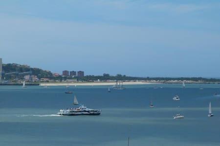 Nice appartment with ocean view, near Lisbon - Cruz Quebrada - Appartement