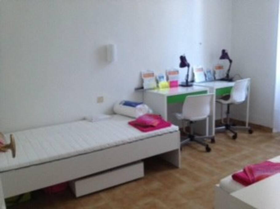 chambre dans duplex marseille prado appartements louer marseille provence alpes c te d. Black Bedroom Furniture Sets. Home Design Ideas