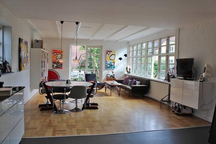 Villa-apartm. Close to city center. - København - Hus