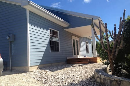 Peaceful new 3 bedroom home - Providenciales