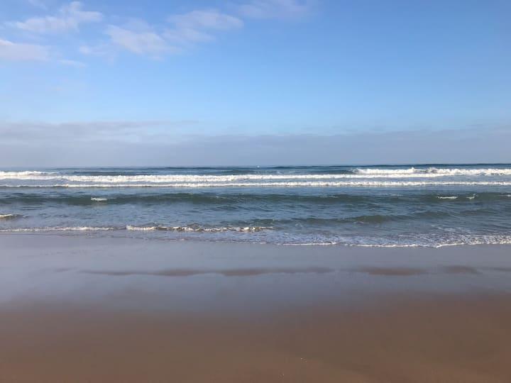 Best of Plage des Nation! Super luxury ocean view.