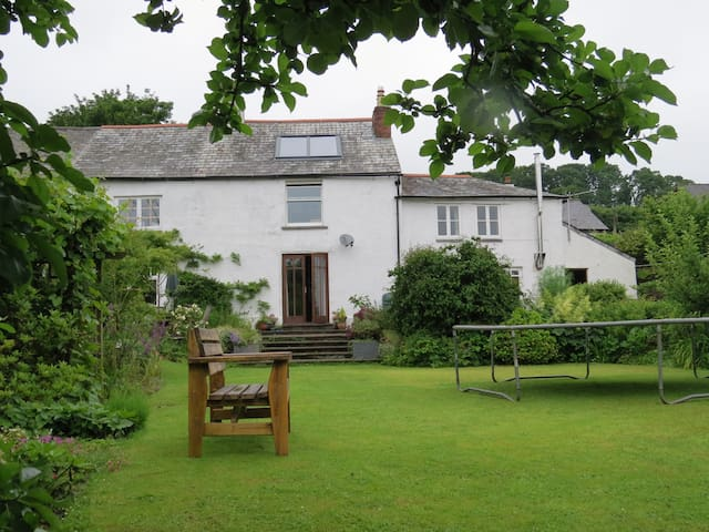 East Cottage, Devon/Cornwall border - Lifton - Huis