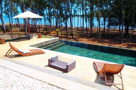 Private Villa Campeche by the beach - Black River - Villa
