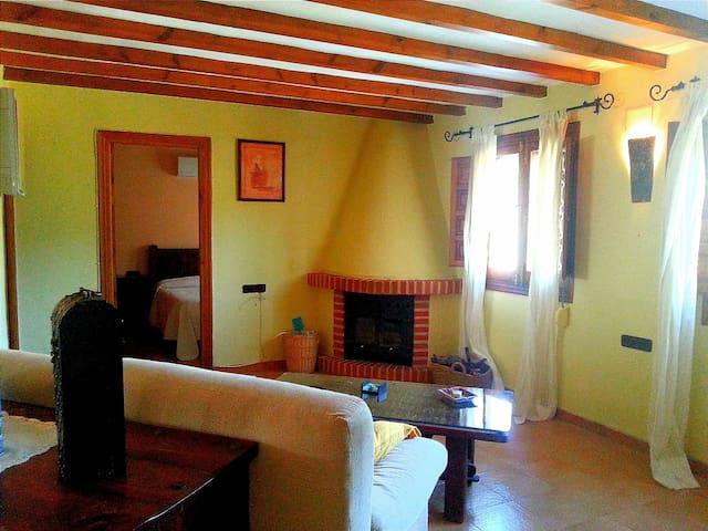 Cosy tranquil holiday home  - Canillas de Albaida - Alpstuga