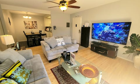 "KARMA CONDO 1Floor 2bed&bath,FastWiFi,Hottub,70""TV"