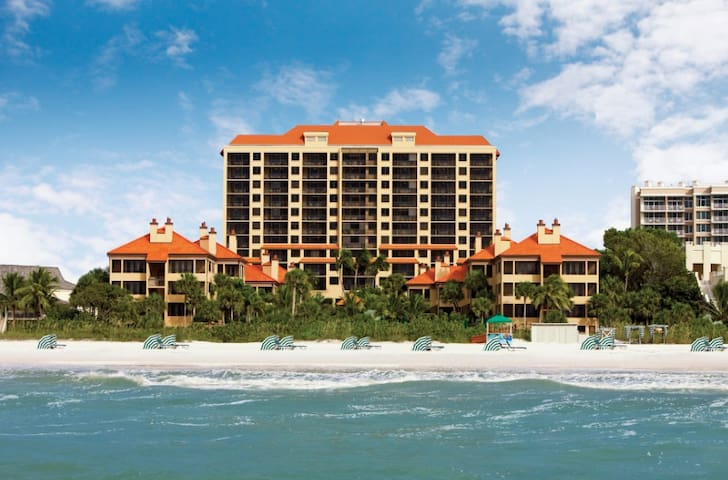 Ocean View 2 Bdrm+Balcony&Amenities - Marco Island