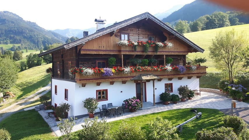 Fantastic Apartment Langeck with Balcony, Mountain View & Wi-Fi; Parking Available