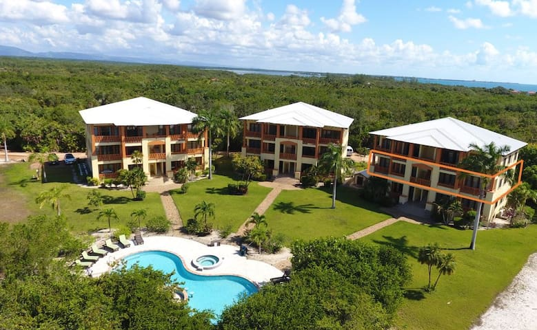 "The Villas at Cocoplum ""Four Turtles"" Apartments"