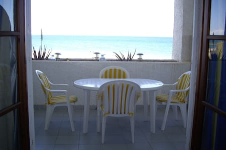 Apartment beachfront naturist zone
