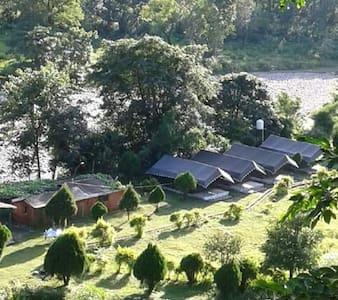 Lansdowne / Jim Corbett Park, India - Bed & Breakfast