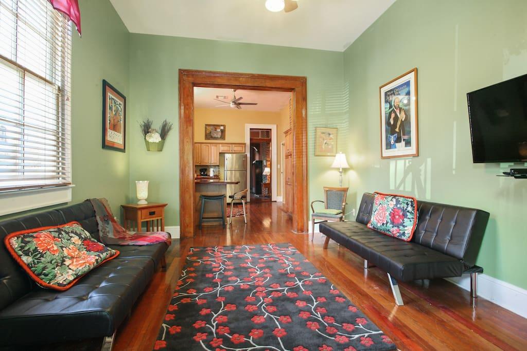 """Living / Bedroom room combo w/ 40"""" SMART TV"""