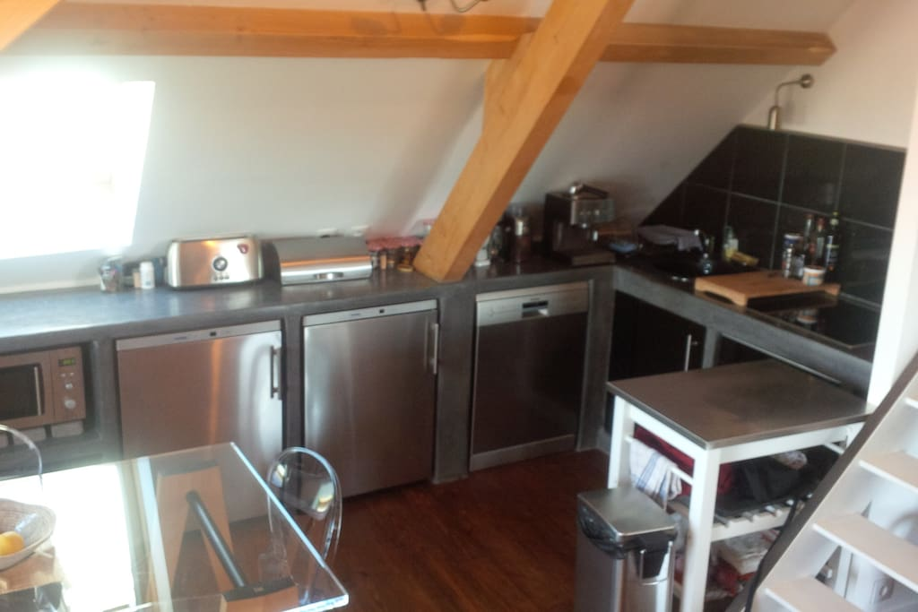 Cuisine équipée complète  (Dietrich/Liebherr) Lave-vaisselle/frigo/congélateur