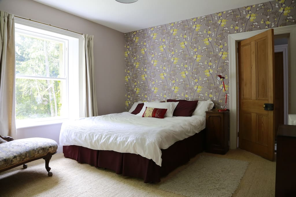 Meg's Room - Super King bed or two single beds
