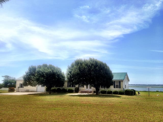 Comfy Crystal Coast Cottage - Newport - House