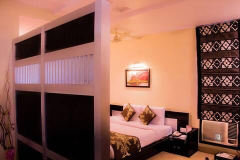 Hotel Ravisha Continental - Deluxe Room