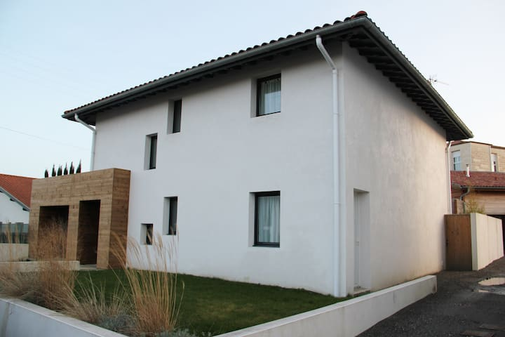 STUDIO NEUF DANS MAISON MODERNE - Anglet - Appartement