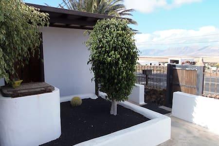 Habitación Independiente Mochileros - Tiagua