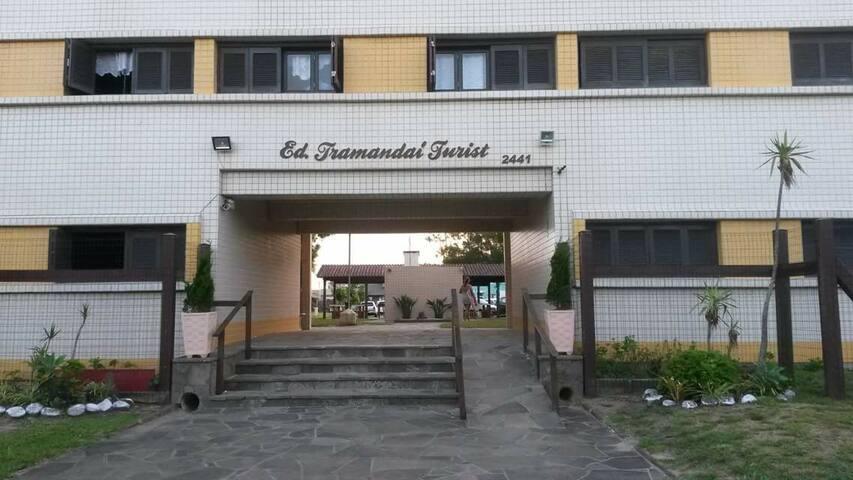 Condomínio em Tramandaí, 1 quadra do mar