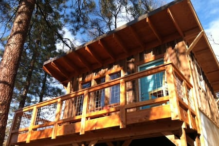 Bright Cabin w/Views-Dog Friendly! - Winthrop - Hytte