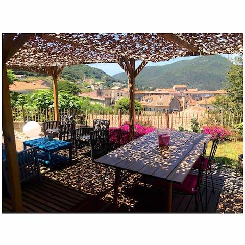 Rez de Villa avec jardin et avec vue