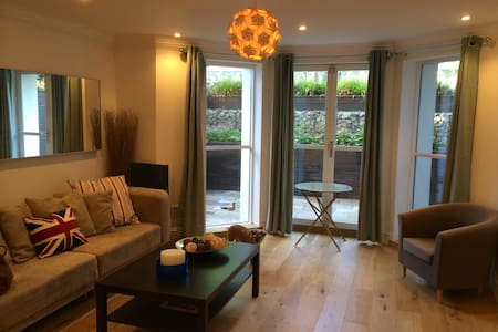 Perfect new open-plan pied à mer - Folkestone - Apartament