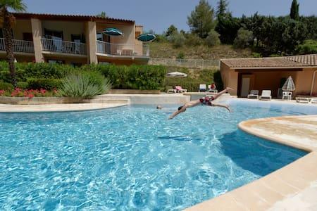 Studio au calme avec piscine chauffée - Gréoux-les-Bains