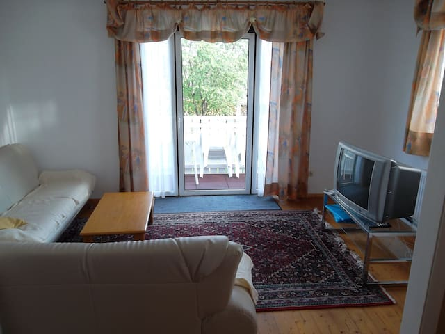 Great 2 room apartment with balcony - Gilching - Leilighet