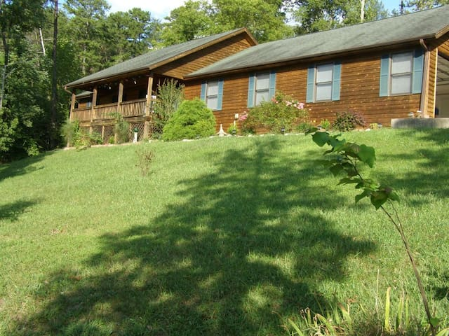 3 Bedrooms/2 Baths Large Private Lake House - Burnside - Hus