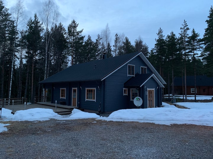 Cozy cottage 220m2 with sauna and close to sea