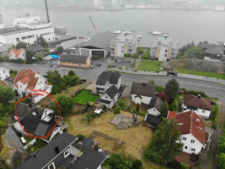 Koselig hus i Sandefjordsfjorden