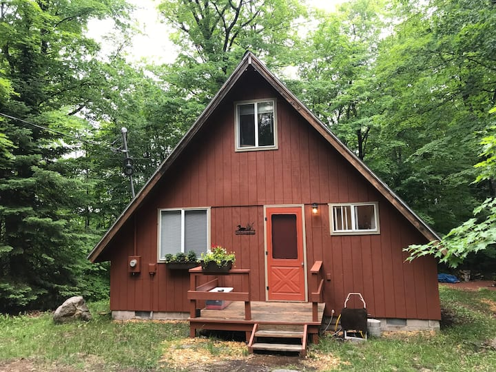 Baraga County Beaufort Lake Cabin