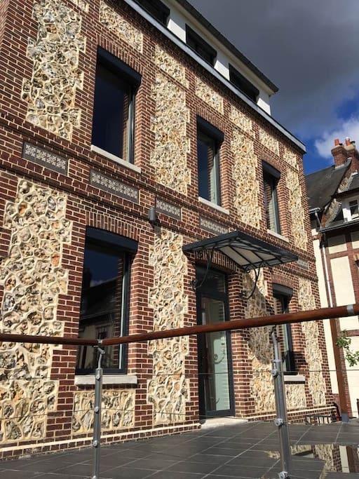 maison au calme aux portes de la ville maisons louer rouen normandie france. Black Bedroom Furniture Sets. Home Design Ideas