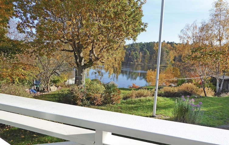 Holiday cottage with 3 bedrooms on 180m² in Saltsjö-Boo