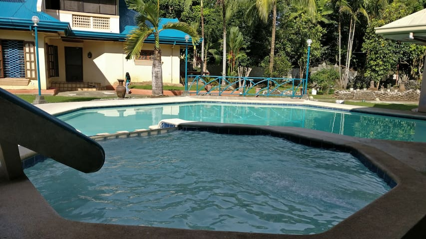 Private swimming pool,  huge patio, whole house