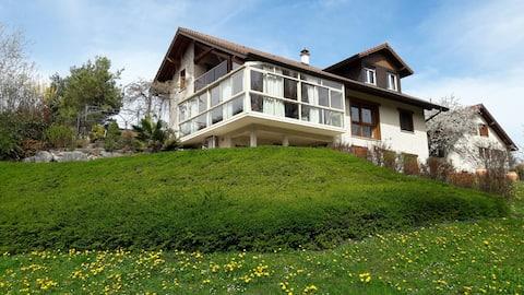 Archamps - Pis a una casa amb vistes magnífiques