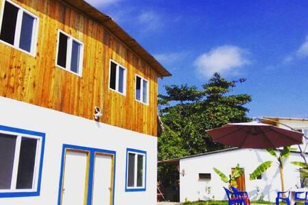 El Oasis: Oceanview Apartment w Kitchenette & Pool - Ayampe