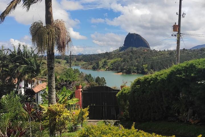 Casa campestre en Guatapé!! Espectacular vista!!