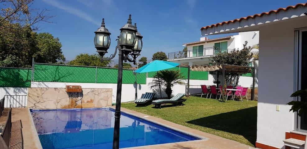 Villa de lujo con alberca en Lomas de Cocoyoc Oaxt