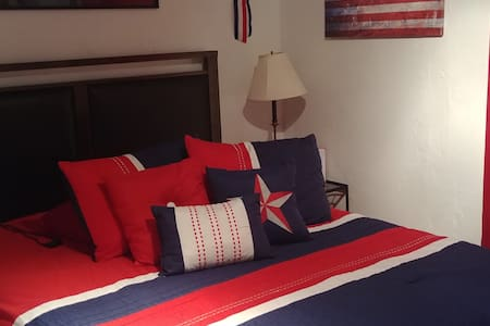 4th of July Room. With Shared bathroom