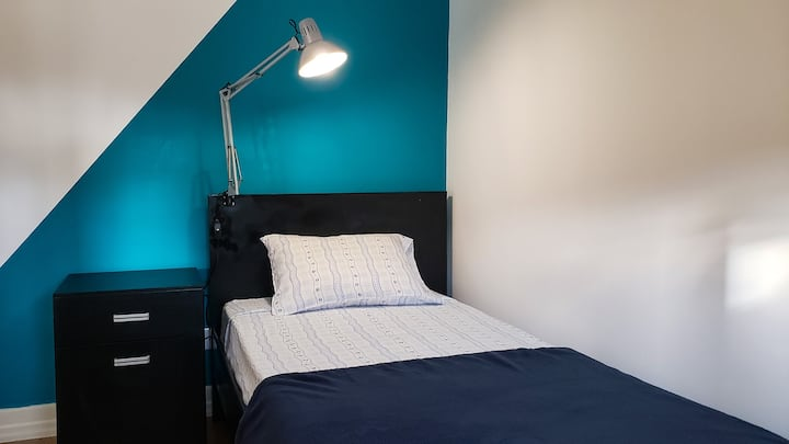 Cama em Dormitório Misto (Quarto 5-F)