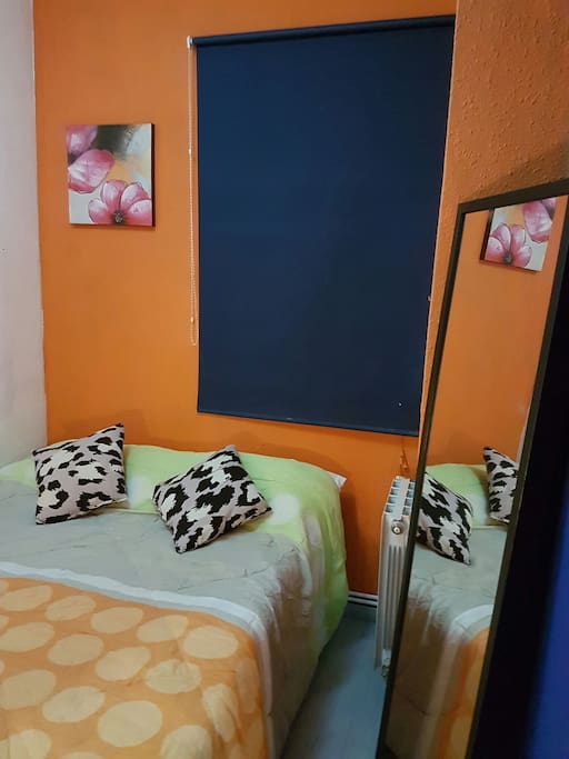 Little room int barcelona low cost appartamenti in for Appartamenti barcellona low cost