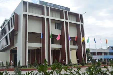 Hotel Saramati